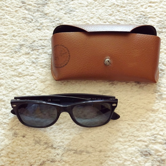 872a4264ef Black Ray Ban sunglasses frames   case. M 5aaef7093800c527cccb6c44